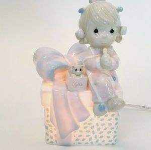 Vintage 1991 PRECIOUS MOMENTS Night Light Gift